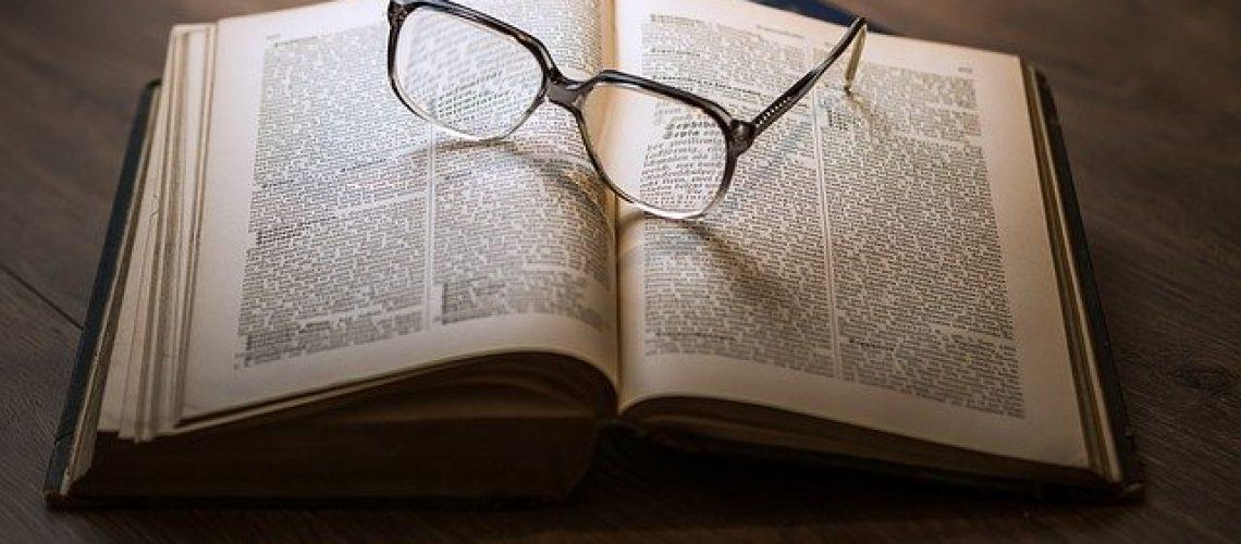 glasses-1052010_640